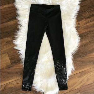 Rare ivivva rhythmic tight paint splatter leggings